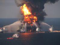 Auf der Deepwater Horizon hat das Unglück seinen Ausgang genommen Bild: flickr.com/uscgd8