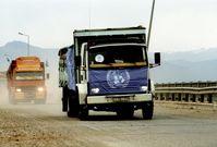 UNHCR-LKW beladen mit Hilfsgütern
