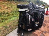 Das verunfallte Fahrzeug Bild: Feuerwehr