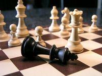 Machtkampf, Machtspiel & Ohnmacht (Symbolbild)