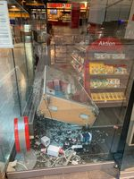 Sachbeschädigung Tabakwarengeschäft Bild: Polizei