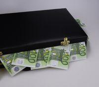 Geldkoffer (Symbolbild)
