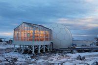 Damit Tomaten, Gurken und Co. gedeihen, war für den Bau des Gewächshauses in der Antarktis ein Material gefragt, das die für die Pflanzen lebenswichtigen Sonnenstrahlen besonders gut durchlässt. Quelle: Evonik Industries (idw)