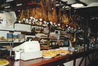 Serrano-Schinken in einer spanischen Altstadtbar