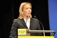 Miriam Gruß bei einer Rede vor dem 60. Parteitag der FDP Bayern.