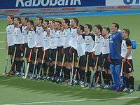Das deutsche Herren-Team vor dem WM-Halbfinale 2006 gegen Spanien: Draguhn, Hentschel, P.Zeller, Witthaus, C.Zeller, Weissenborn, Scharowsky, B.Emmerling, Montag, Fürste, Nevado, Duckwitz, Biederlack, Crone, Bubolz, Wess