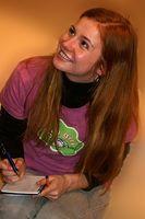 Josefine Preuß bei einer Autogrammstunde 2007