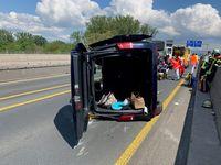 Unfallbeteiligter Kleinbus Bild: Polizei