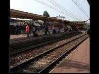 """Screenshot aus dem Youtube Video """"Brétigny-sur-Orge : plusieurs morts après le déraillement d'un train PARIS"""""""