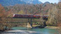 """Glacierexpress bei Reichenau - am Zusammenfluss von Vorder- und Hinterrhein. Bild: SWR/Alexander Schweitzer"""""""