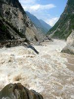 Tigersprungschlucht des Jangtse Flußes nordöstlich von Shigu