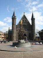 Der Binnenhof in Den Haag, das politische Zentrum der Niederlande.