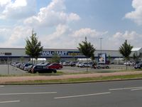 Ehemaliges Walmart Supercenter in Pattensen, August 2006