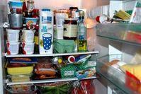 Voller Kühlschrank: viele Vorräte schlecht. Bild: pixelio.de/Paul-Georg Meister