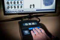 """Weltrekord bei Fingerabdruck-Identifikation: DERMALOG identifiziert 129 Millionen Fingerabdrücke fehlerlos in einer Sekunde mit dem LF10 Scanner. Bild: """"obs/Dermalog Identification Systems GmbH"""""""