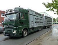 Überladener Tiertransporter 26052020 Bild: Polizei