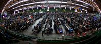 """Über 5000 Computerspieler in einem Raum: Sind Computerspiele die Fortsetzung von """"Brot & Spiele"""" ? (Symbolbild)"""