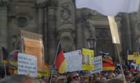 "Screenshot des Youtube Videos ""MONTAGSDEMOS IN DRESDEN 11.05.2015 - #PEGIDA SPAZIERGANG """