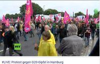 Erste Demonstranten vor dem unbeliebten G20 Gipfel (Symbolbild)