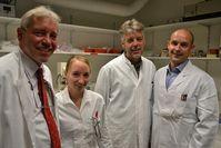 Professor Thomas Bosch, Leiter der Hydra-Studie mit seinem Team: Anna Marei Böhm, Jörg Wittlieb und Dr. Konstantin Khalturin. Copyright/Foto: CAU/Winters