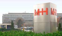 Medizinische Hochschule Hannover: Eingangs-Pylon neben der Haupteinfahrt zur MHH