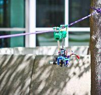 Hangel-Test: Roboter am Seil. Bild: UCSD Jacobs School of Engineering