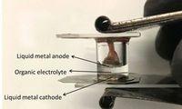 Flüssigmetall-Batterie: Haltbarer als Akkus.