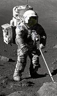 Geolloge Harrison Schmitt auf dem Mond. Bild: NASA