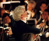 Sir Simon Rattle dirigiert Wagners Rheingold in der Berliner Philharmonie (2006)