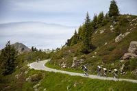 Team corratec 1 und Tauris - Grinta! kurz vor dem Manghenpass.