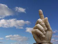Warnen, kritisieren und Fingerzeig (Symbolbild)
