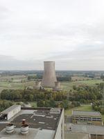 Blick auf den Kühlturm des Kraftwerks Westfalen