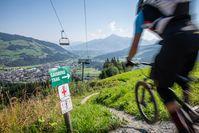 Fahrspaß vom Feinsten bei bestem Bergpanorama ? Bild: KitzSki/Werlberger Fotograf: Michael Werlberger