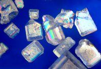 Zuckerkristalle unter dem Polarisationsmikroskop