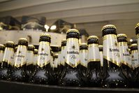 """Krombacher ist weiterhin das beliebteste Bier Deutschlands. Bild: """"obs/Krombacher Brauerei GmbH & Co."""""""