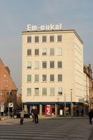 Em-eukal-Werbung an einem Gebäude in Nürnberg