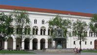 Hauptgebäude der Ludwig-Maximilians-Universität am Geschwister-Scholl-Platz in der Münchner Maxvorstadt