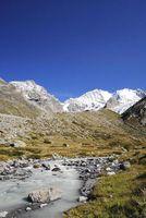 Die hohe Sedimentfracht des Flusses zeigt die starke Wirkung der Erosion unterhalb des Bernina-Gletschers in der Schweiz. Bild: GFZ