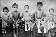 Hungerleidende Kinder in Berdyansk in der Ukraine (1922), Archivbild