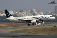 Pakistan-International-Airlines-Flug 8303