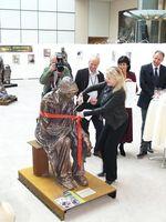Bronzeskulptur des dänischen Bildhauers Jens Galschiøt Bild: projekt UDENFOR