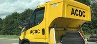 """Dieser Betrüger in Osteuropa gibt sich als ACDC statt als ADAC aus. In einem Pannenfall hift er aber dennoch nicht.  Bild: """"obs/ADAC SE"""""""