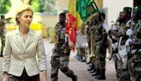 Ursula von der Leyen in Kriegsgebieten wo deutsche Soldaten aktiv sind (Symbolbild) (2017)