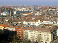 Blick über Prenzlauer Berg mit typischer urbaner Blockrandbebauung