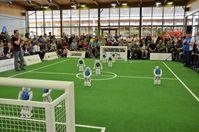 B-Human im Finalspiel gegen das Nao-Team HTWK aus Leipzig Quelle: B-Human / Universität Bremen / DFKI GmbH, Foto: Judith Müller (idw)