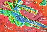 Valles Marineris: Möglicher Hinweis auf frühere Beben. Bild: Google Mars/MOLA