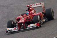 Alonso bejubelt den Sieg beim Großen Preis von Malaysia 2012