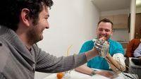 Dennis Aabo: erste Tests im Labor überaus erfolgreich. Bild: epfl.ch