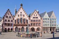 Der Römer ist Frankfurts Rathaus und ein Wahrzeichen der Stadt.