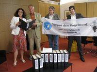 Bild: obs/Komitee gegen den Vogelmord e.V. / Deutscher Tierschutzbund e.V.